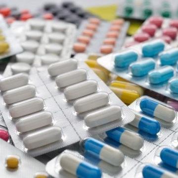 agua de laboratorio para medicamentos