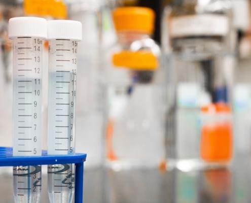 Picnómetro medición densidad sólidos líquidos