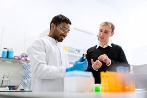Bomba de membrana equipamiento laboratorio científico